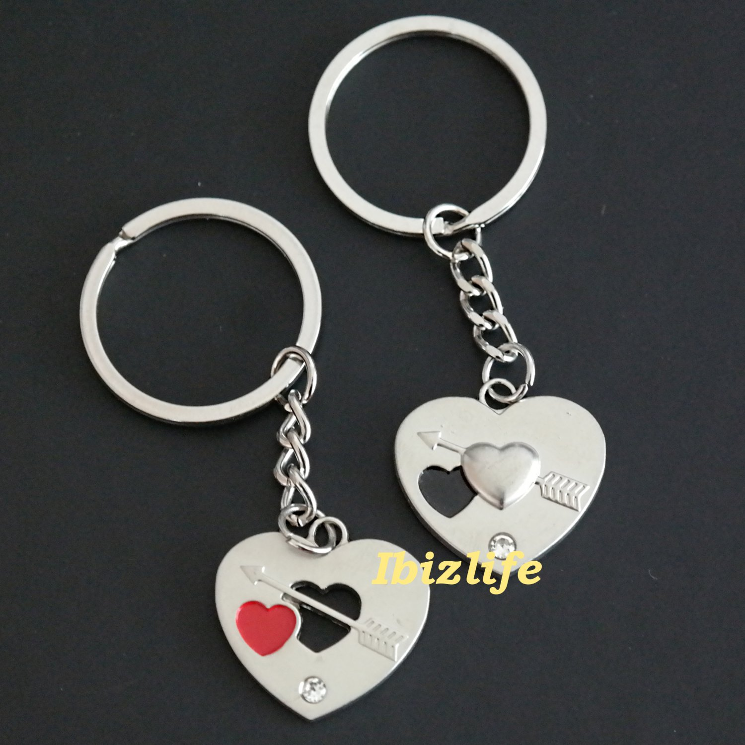Metal keychain - a pair of keychains with 2 HEART shape with Love Arrow and Heart (kc16)