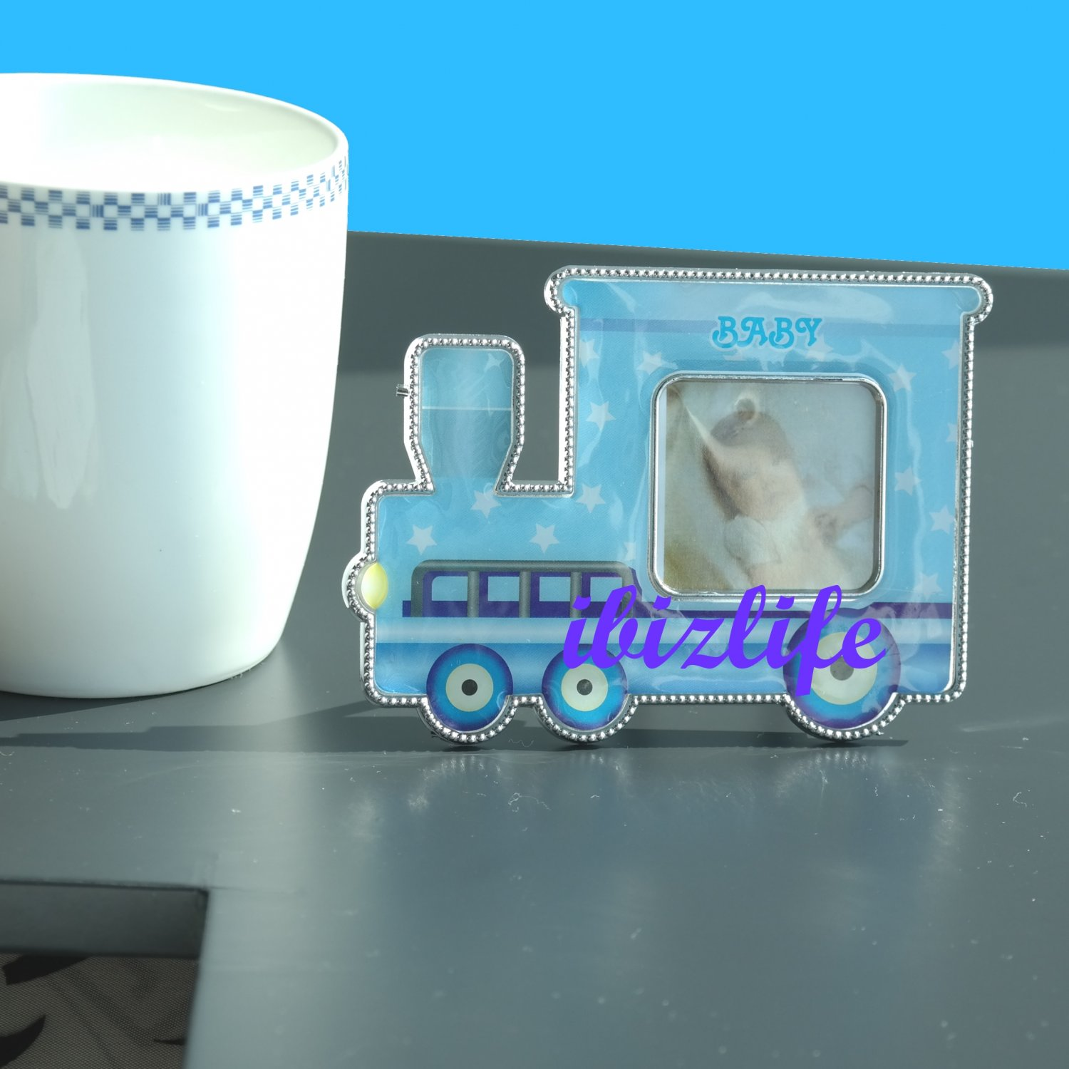 "Cute Lovely Mini locomotive Plastic Photo Picture Frame with opening 1-3/8"" x 1-3/8"" PF08"