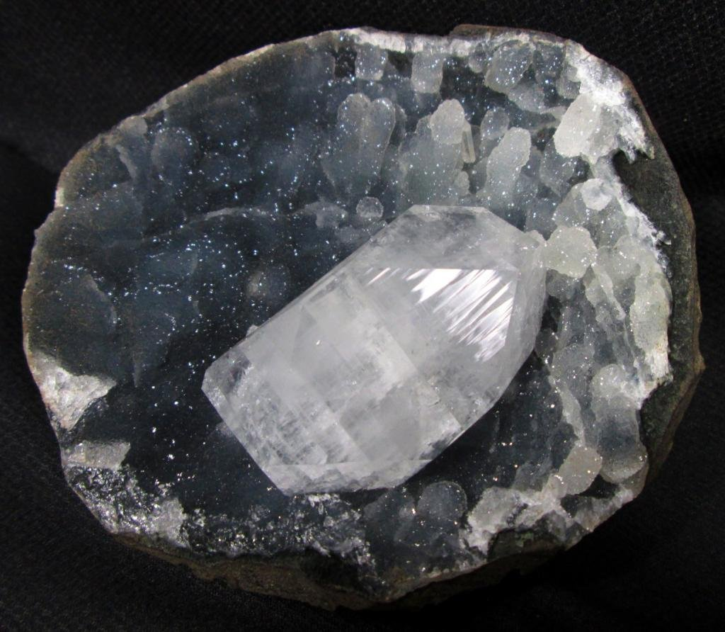 AMAZING APOPHYLLITE AND STALACTITE CHALCEDONY MINERALS IN GEODE COLLECTIBLES