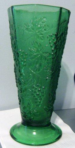 """Vintage Octagonal Green Anchor Hocking Harvest Grape 9.5"""" Vase"""