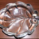 Little leaf-shaped trinket dish