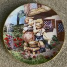 "1992 ""Squeaky Clean"" Little Companions Hummel Collectors Plate #MD 6086"