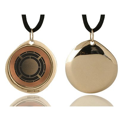 Q-Link Pendant (gold) - Protects the body from damaging Electromagnetic Chaos!