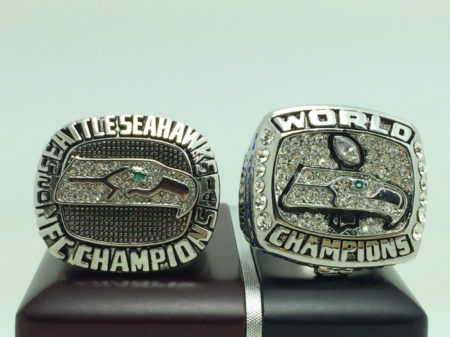 One set 2 pcs 2013 2014 Seattle Seahawks super bowl championship ring size 11 solid