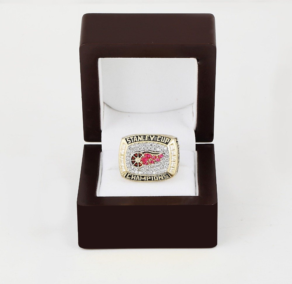 1998 Detroit Red Wings NHL CHAMPIONSHIP RING 10-13 size +wooden case