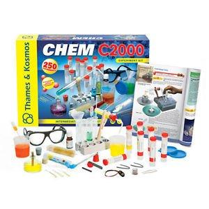 Thames & Kosmos 640125 Science Experiment Kit - Chem C2000 - V 2.0 by alextoys