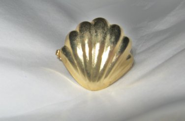 """VTG Shell relief gold tone scarf clip 1.25"""" w/ clip guard"""