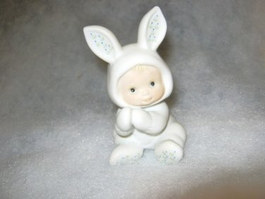 1984 Enesco Ruth Morehead Holly Babes in Bunny suit Clapping Hands figurine