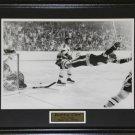 Bobby Orr The Goal Black & White 16x20 frame