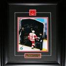 Steve Yzerman Detroit Red Wings final game signed 8x10 frame