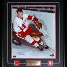 Gordie Howe Detroit Red Wings signed 16x20 frame