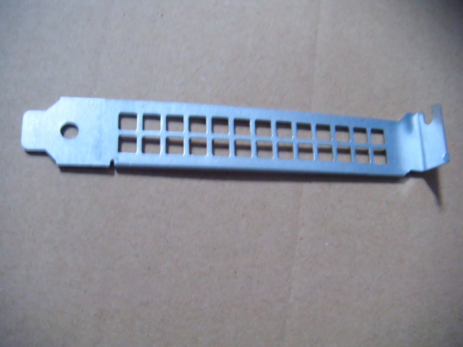 Dell OPX 990 390 790 3010 7010 9010 3020 7020 9020 MT 4U PCI Blank Slot Cover ME60192 N680D Vented