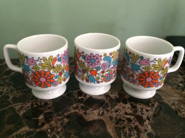 Vintage Royal Crown Smug Mugs Arnart 44/183