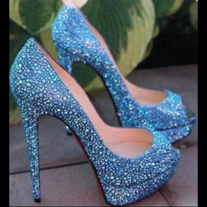 Blue platform crystal pump