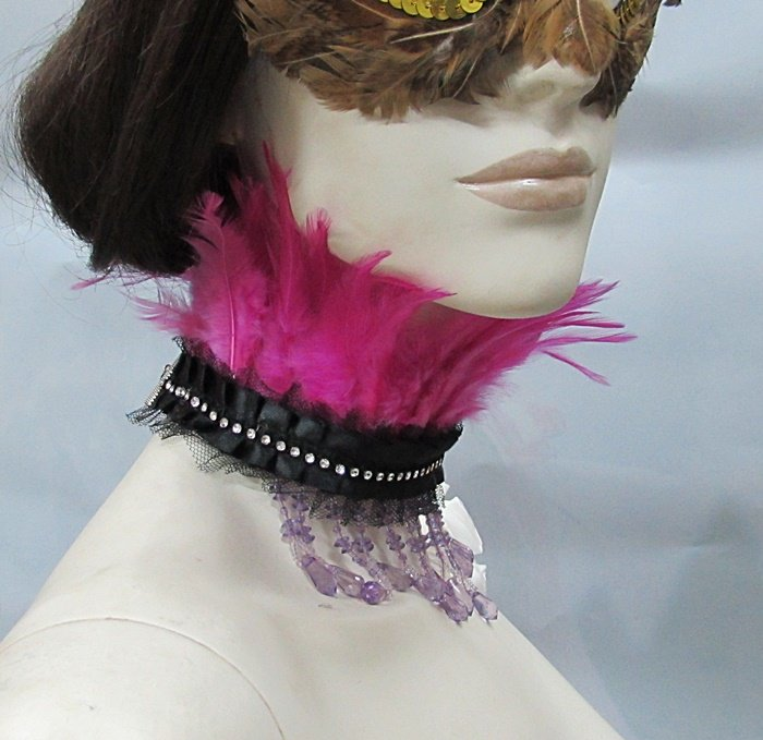 Feather collar ;Dramatic Feather Choker;Fluffy Necklace;Bridal or dancer occasion accessories#1
