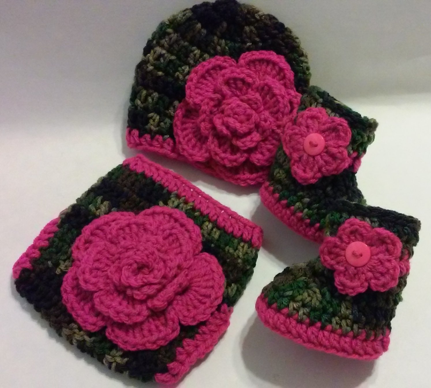 Crochet Dark Camo and Floral Diaper Cover Set in Dark Pink with Hat, Booties Newborn 0-3 Months