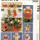 McCall's Beary Christmas Decoration Pattern 773
