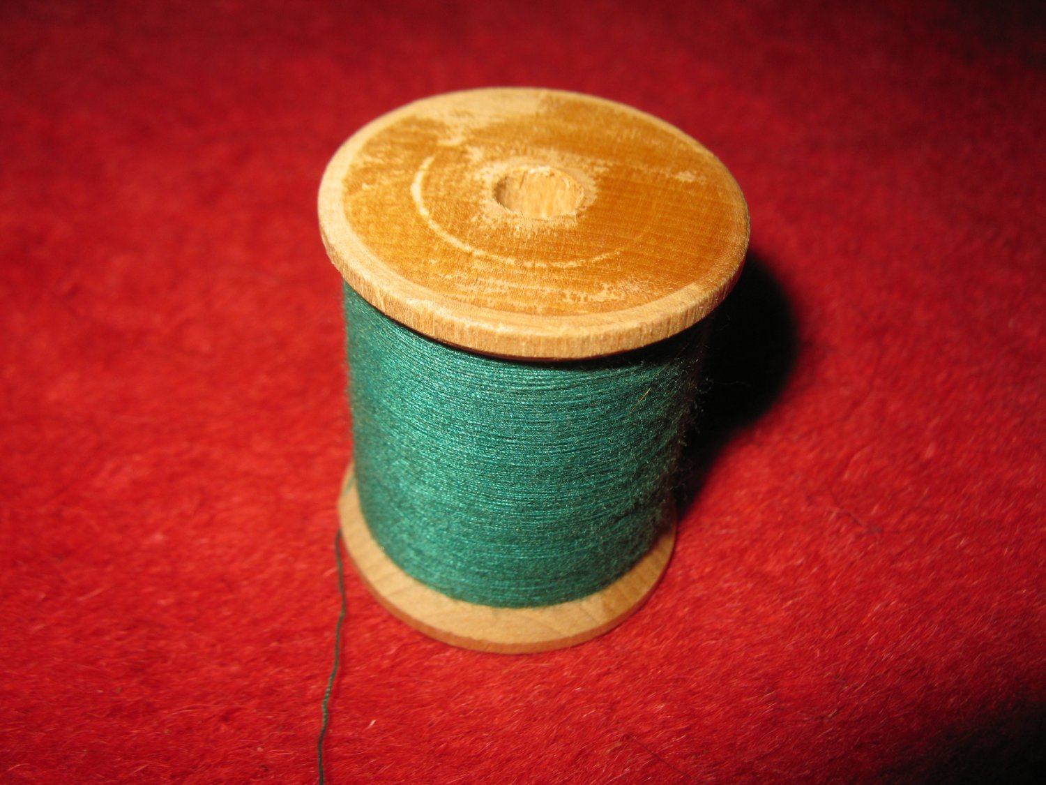 old wood Spool w/ Thread: no label, w/ original thread