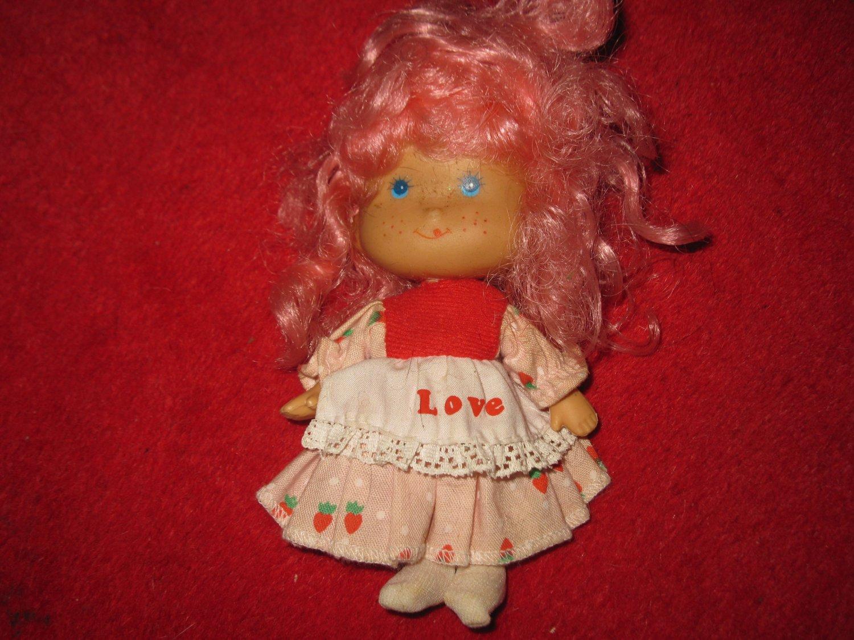 1980's PInk Strawberry Shortcake TYPE doll, same size, no brand marker..??