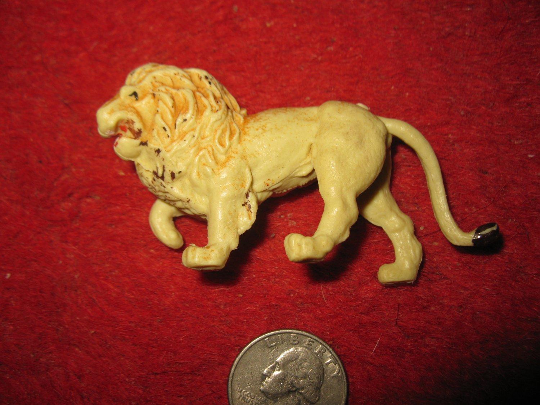 Vintage Miniature Playset figure: off white plastic lion