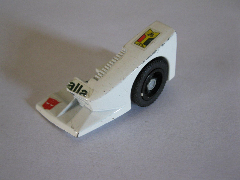 G1 Transformers Action figure part: 1982 Wheeljack - Front Left Wheel & Fender / Left Foot