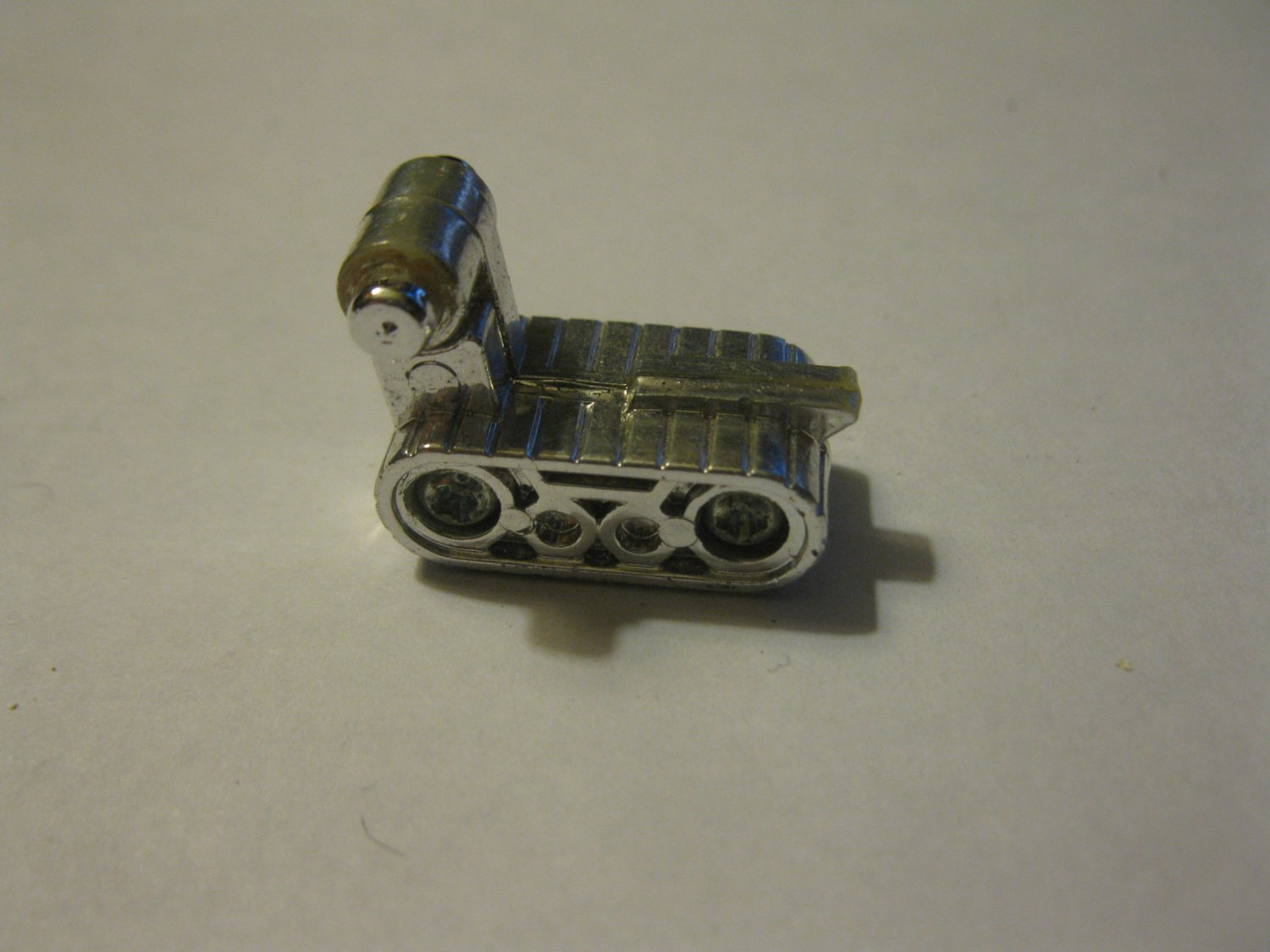G1 Transformers Action figure part: 1984 Ratchet - Ambulance Mounted Gun Front tank Tread