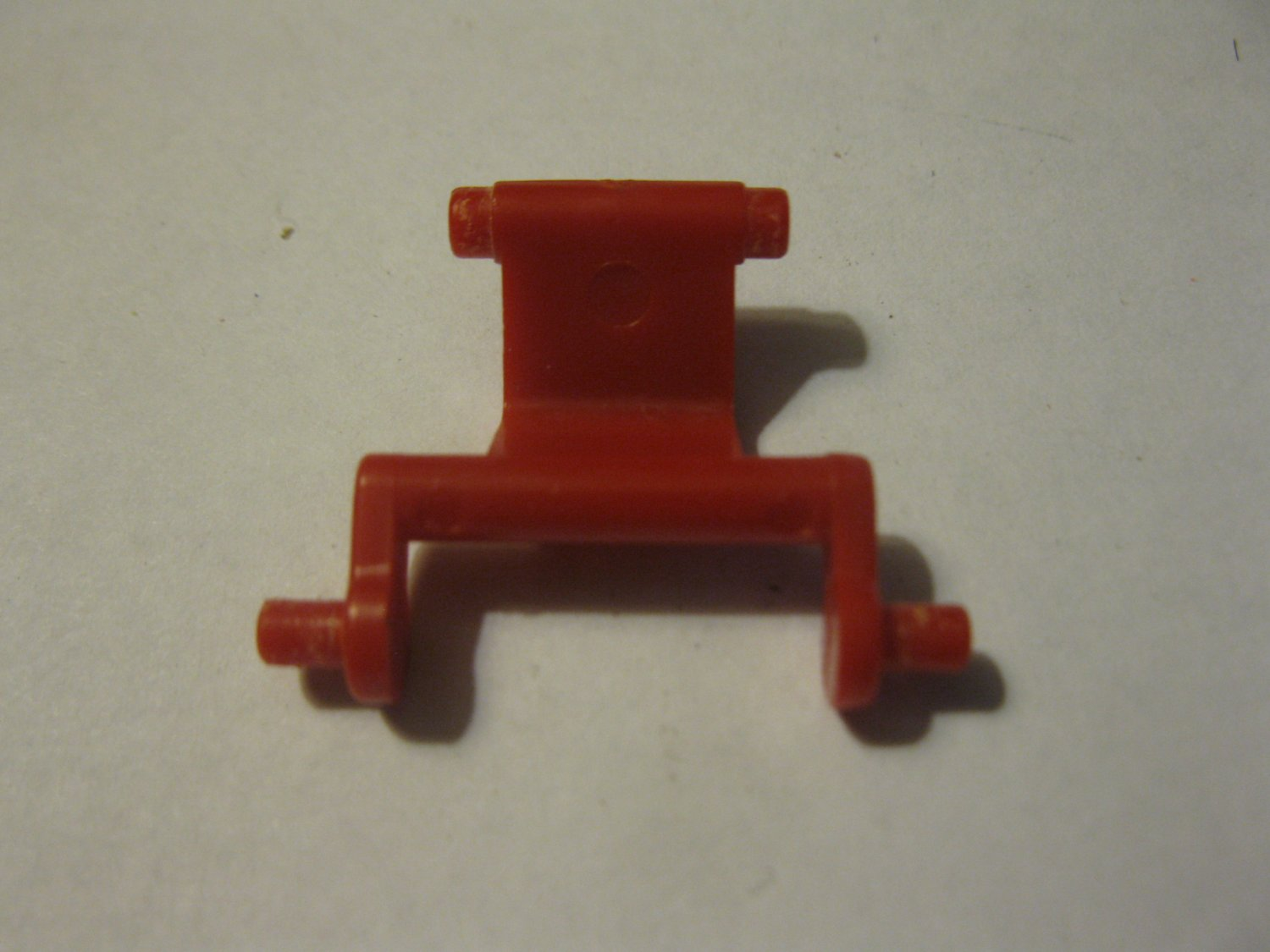 G1 Transformers Action figure part: 1984 Ratchet - Interior Red Hinge Section