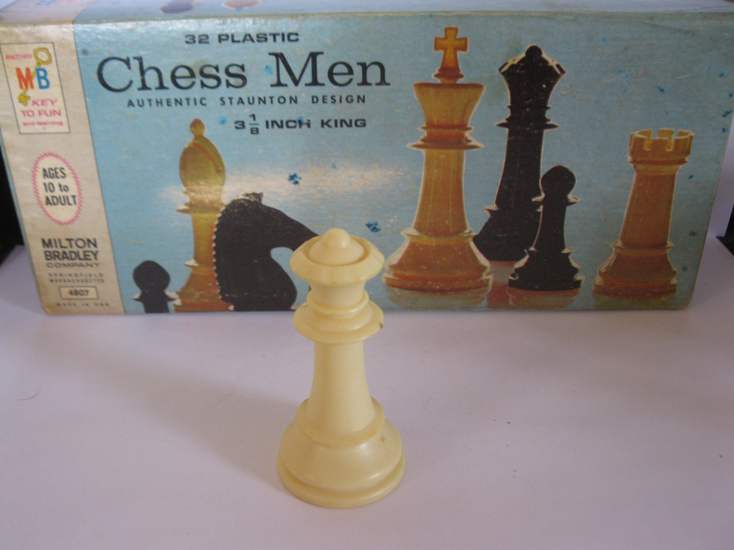 1969 Chess Men Board Game Piece: Authentic Stauton Design - White Queen