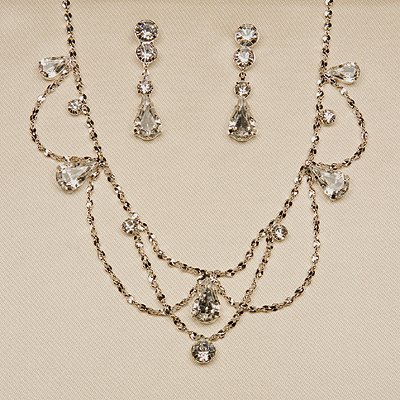 Silver Necklace And Earrings Set (Style # 933)