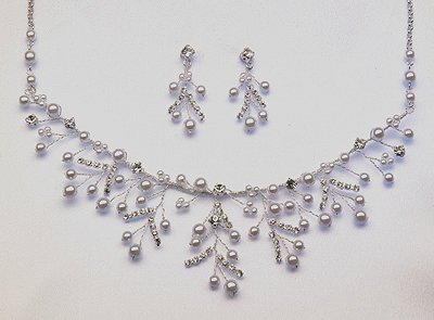 White or Ivory Necklace and Earrings Set (Style # 924)