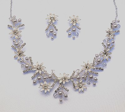 White or Ivory Necklace / Earrings set (Style # 919)