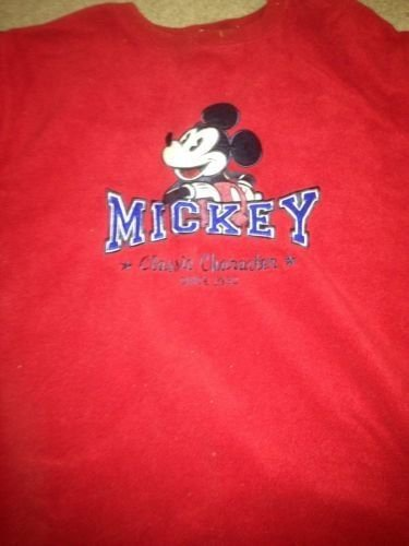 """��WOW��Ladies/Mens """"Fuzzy"""" Mickey Mouse Pullover/sweater ~ Disney Store - Large"""