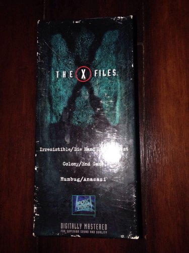 ��COLLECTABLE BOX SET�� X-FILES On VHS - 3 Episodes To Watch From!