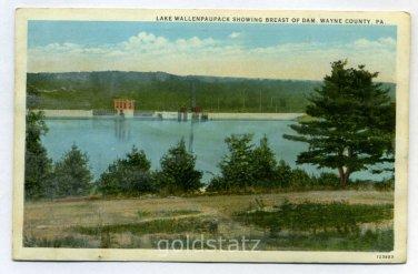 Lake Wallenpaupack showing Breast of Dam Wayne County Pennsylvania postcard