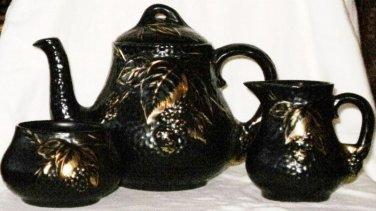 WADE Black Velvet Tea Set Teapot Creamer Sugar Bramble Ware Handpainted England