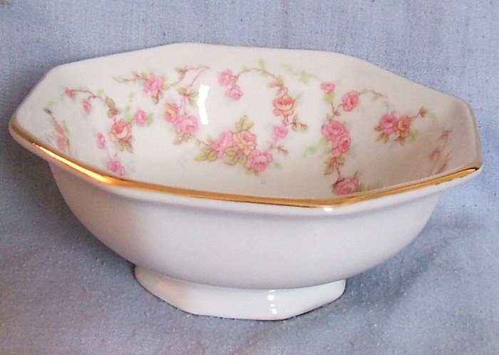 Schumann/Bavaria Golden Crown Mini Sugar Bowl B Rose