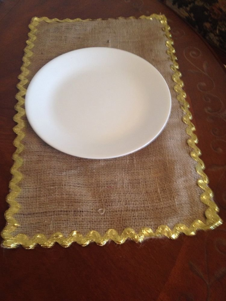 Handmade Christmas Burlap Placemats Set Of 4 With Gokden Ricrac