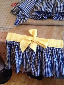 Table Runber With 2 Navy Blue Gingham Ruffels