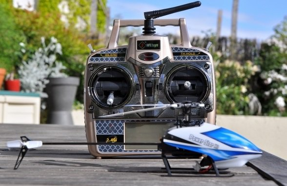 V977 Power Star X1 6CH 2.4G Brushless RC Helicopter RTF