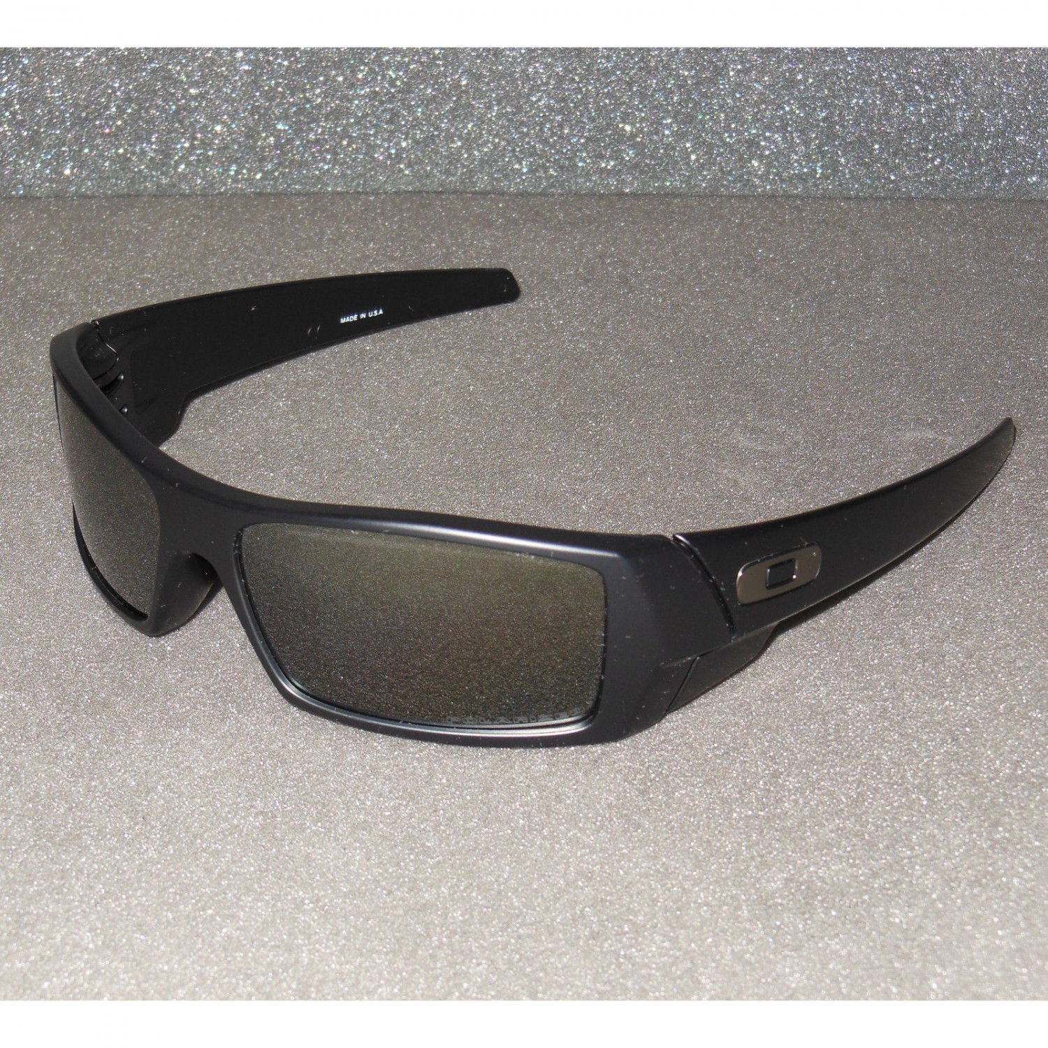 Oakley Gascan Sunglasses Matte Black/Black Iridium POLARIZED
