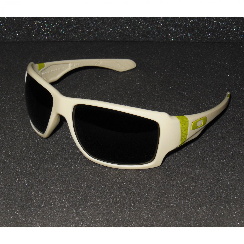 Oakley Big Taco Sunglasses Matte Bone/Dark Grey