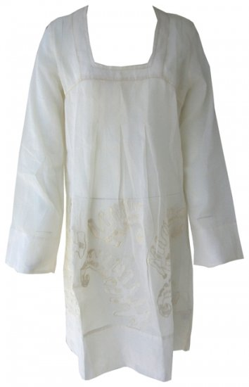 Off White Embroidered Kameez / Kaftan