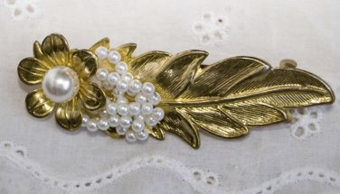Vintage Pearl Hair Barrette FLOWER LEAF Cluster 1970's GOLD TONE Beautiful!