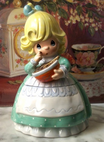 "Precious Moments ""Fudge A Little"" Cookie Jar"
