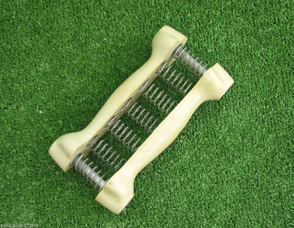 1970's Grip Strength Strengthener Fitness Workout Gear Spring Plastic Ultra Rare
