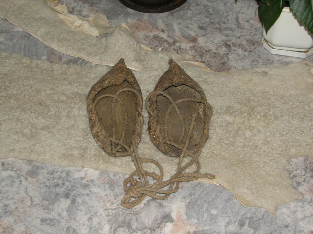 Primitive Antique Old Europe Handmade Leather Moccasine Pair of Shoes FREE P&P
