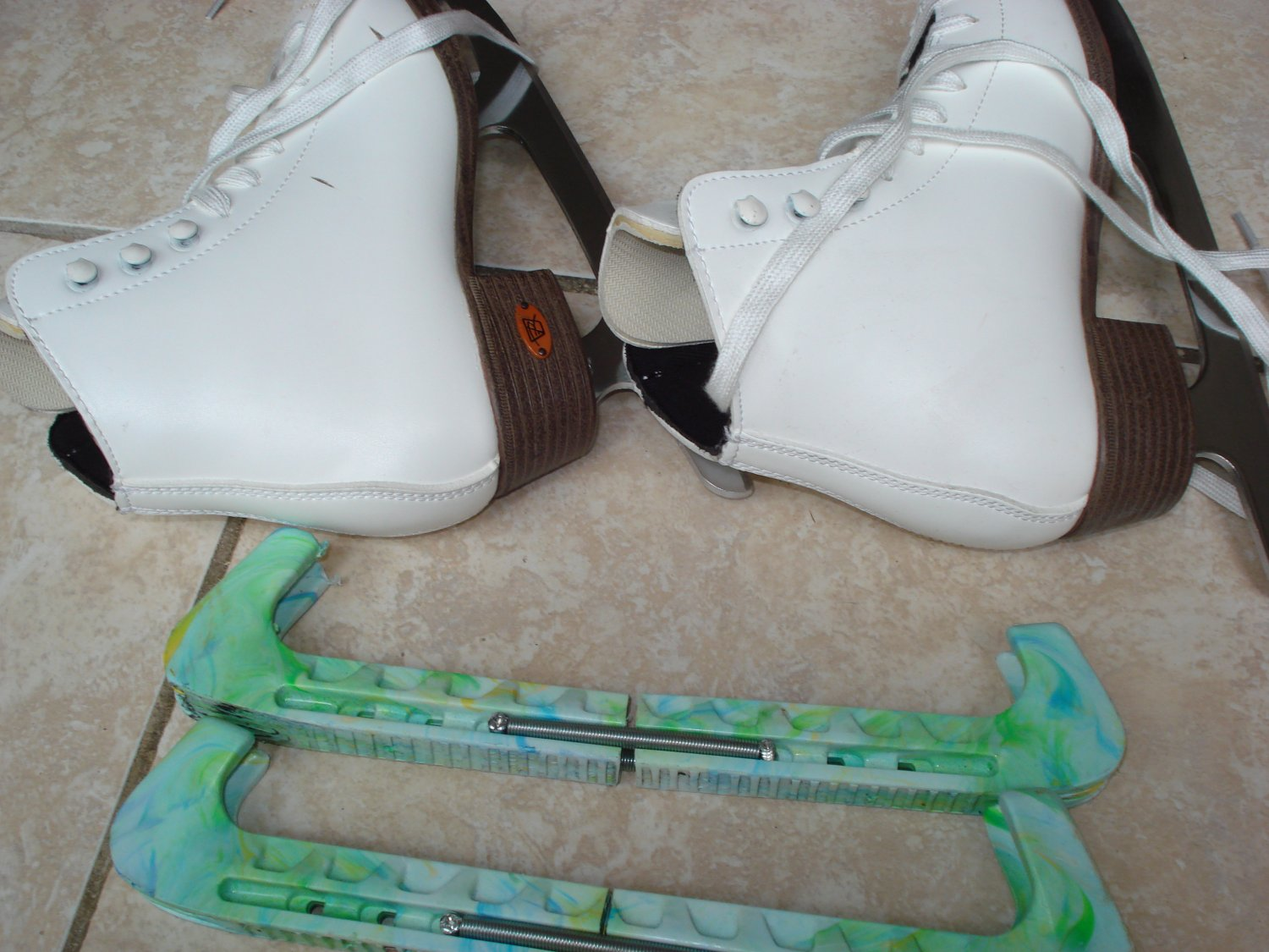 Riedell Girls Ice Skates -15W Size 3 -Excellent Condition