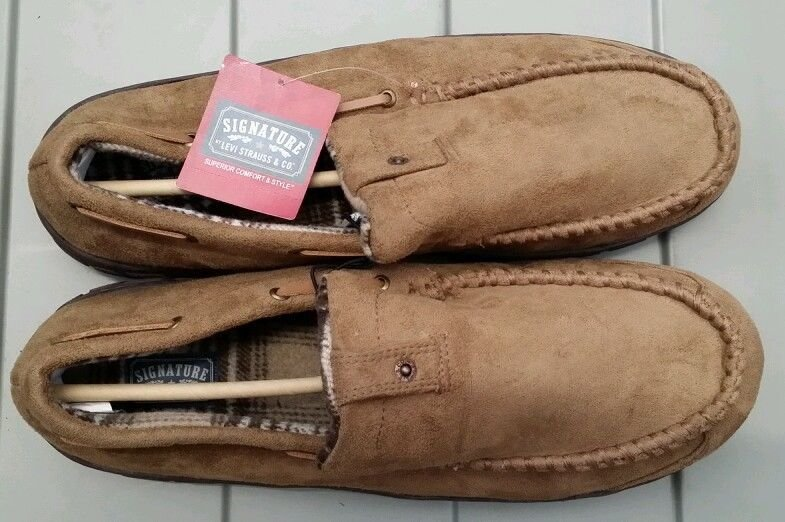 Signature by levis mens moccasin slippers