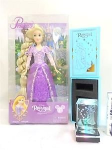 NEW Disney Princess Rapunzel Crystal LED pedestal with Figure Doll illumination