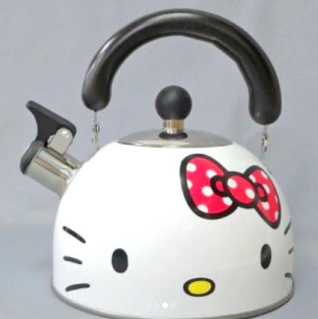 �SANRIO Hello Kitty Ribbon Enamel kettle 2.3 L Pot from JAPAN NEW Free shipping�